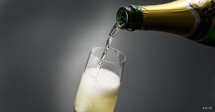 ディナービュッフェ+スパークリングワインボトル1本【6名さま以上の団体につき1本サービス】<平日>